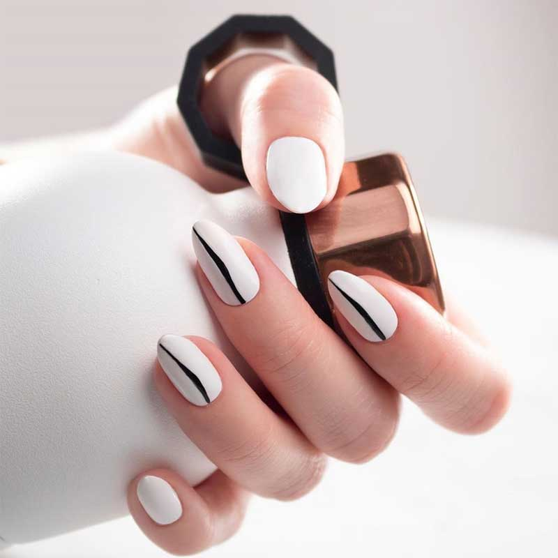 Crooked Lines Nails