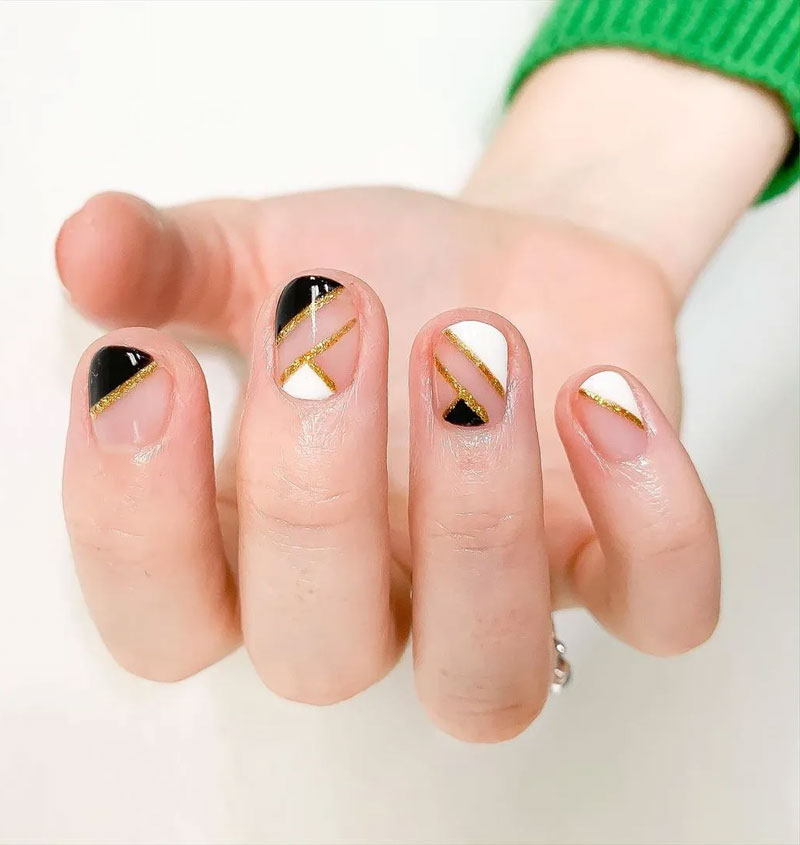 Gold Sparkle Striped Nails